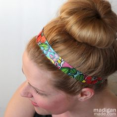 hair updo with a DIY (duck tape!) headband hair updo with a DIY (duck tape! Duct Tape Projects, Duck Tape Crafts, Diy Projects, Headband Hairstyles, Hair Updo, Hair Buns, Hairstyle Ideas, Duct Tape Jewelry, Duck Tape Wallet