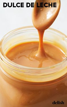 Once you know how to make this creamy sauce, you'l Homemade Spaghetti Sauce, Homemade Sauce, Dessert Sauces, Dessert Recipes, Sauce Béarnaise, Sauce Recipes, Cooking Recipes, Sauce Au Poivre, Pickles
