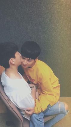 Off Jumpol ( & Gun Atthaphan ( × cr. to the owner Ulzzang Couple, Ulzzang Boy, Parejas Goals Tumblr, Couple Silhouette, Theory Of Love, Baekyeol, Lgbt Love, Cute Gay Couples, Thai Drama