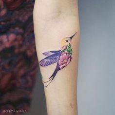 Cute Hummingbird Tattoo Designs for Women – Best Tattoos Designs & Ideas for Men & Women Pretty Tattoos For Women, Tattoo Designs For Women, Beautiful Tattoos, Tatoo Bird, Small Bird Tattoos, Tattoo Small, Small Hummingbird Tattoo, Watercolor Hummingbird, Watercolor Art