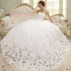 Vestidos de novia esponjados con velo