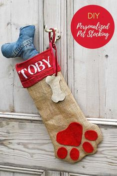 d5f08382a A free pattern to make your beloved pet their very own personalized dog Christmas  stocking.