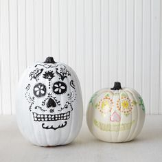 This grinning Day of the Dead skull will fit in perfectly with your Halloween decor.