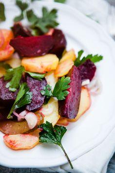 Rote-Bete-Kartoffelsalat (Rote Bete in Salzkruste gebacken)