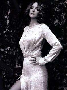 Winona Ryder: Girl, Resurrected - Elle by Horst Diekgerdes, January 2011