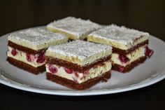 Cakes by Rebeca: Prajitura cu visine si cocos Hungarian Desserts, Hungarian Cake, Romanian Desserts, Hungarian Recipes, Fruit Recipes, My Recipes, Cookie Recipes, Dessert Recipes, Ital Food
