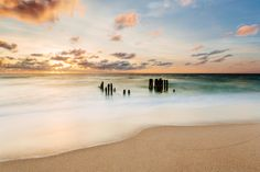Sundown Sylt Photo by Robert Freytag -- National Geographic Your Shot I Love The Beach, Beach Fun, Beautiful Ocean Pictures, What A Beautiful World, Sea Photo, Desert Island, Beach Scenes, National Geographic Photos, Nature Animals