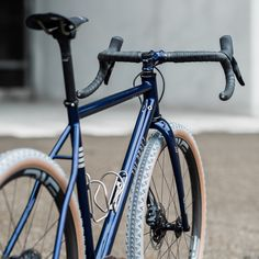 The Draft. Comet Eater gravel bike. Andrés Arregui | urbancycling.it Cycling Shoes, Backpacking, Trail, Bicycle, Bmw, Motorcycle, Adventure, City, Veils