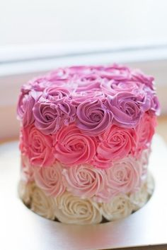 pink ombre rose cake. i want to make this for daughter birthday next year.. so pretty.