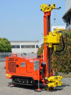 Solidly constructed and versatile the rig is used for various applications: small water wells, geothermal applications, soil investigations, coring and micro piles. http://www.massenzarigs.it/uk/contenuti/169/drilling-rig-mi3---new.html