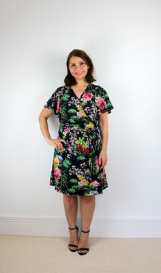 McCall's M7406 wrap dress sewing pattern review