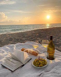 Nature Aesthetic, Beach Aesthetic, Summer Aesthetic, Travel Aesthetic, Places To Travel, Places To Go, Beach Picnic, Summer Dream, Summer Chic
