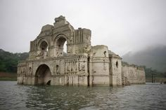 Due to the lack of rain a 17th-century church has been rising from the water of the Nezahualcóyotl reservoir in Chiapas.