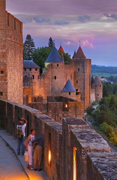 Carcassonne ~ there was a kitchen/bath linens shop in the village that I'm kicking myself for not buying anything from!