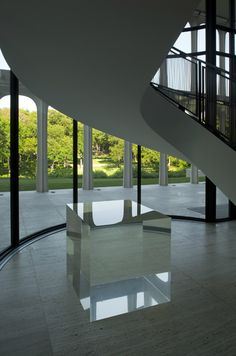 FLASH BACK / FLASH FORWARD: Philip Johnson (1906-2005)