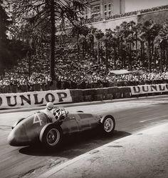 Grand Prix de Pau, Fangio sur Maserati - 1949 © Jean Dieuzaide