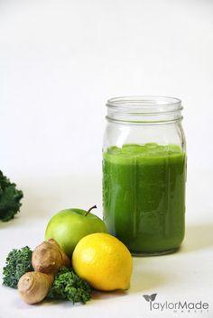 Kale apple lemon ginger juice - juicing recipe Click the image for more info. Red Juice Recipe, Green Juice Recipes, Healthy Juice Recipes, Juicer Recipes, Healthy Juices, Healthy Drinks, Smoothie Recipes, Detox Recipes, Detox Drinks