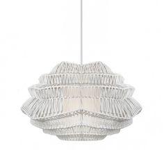 Lampa ratanowo - ażurowa Tokyo, w kolorze białym, świetnie odnajdzie się tak w salonie, jak i w kuchni czy sypialni. W sklepie dostępna jest także lampa Tokyo w kolorze czarnym.