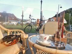Frühstück in Dravograd Brain, Alcoholic Drinks, Cycling, Wine, Glass, The Brain, Drinkware, Biking, Corning Glass