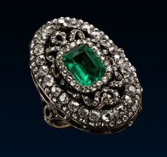 Louis XVI-style gold, silver, diamond, and emerald ring made in the first half of the 19th Century.