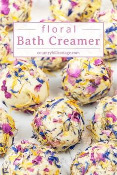 Add luxury to your bath time with floral DIY bath creamers! Homemade bath creamers are a mix of fizzy bath bombs and nourishing bath melts. The natural ingredients for these handmade beauty products include moisturising shea and cocoa butter, milk powder, Mousse, Fizzy Bath Bombs, Floral Bath, Bath Bomb Recipes, Soap Recipes, Bath Melts, Bath Fizzies, Homemade Beauty Products, Beauty Recipe