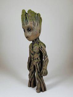 Escultura de Groot vida tamaño bebé 9.5 de alto