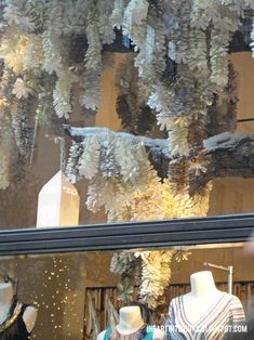 i heart interiors: Anthropologie Winter Window Display