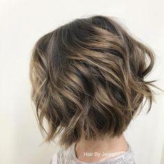 66 ideas nails ideas short wavy bobs for 2019 Textured Bob Hairstyles, Short Bob Hairstyles, Hairstyles Haircuts, Textured Hair, Cool Hairstyles, Bob Haircuts, Short Wavy Bob, Wavy Bobs, Short Hair With Layers