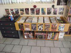 comic storage on pinterest comic book storage tardis bookshelf and comic. Black Bedroom Furniture Sets. Home Design Ideas