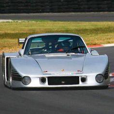 """The Kremer K4 : a 900hp """"Moby Dick"""" inspired Porsche 935."""