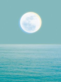 nautical design and organization : #photographs #water #moon