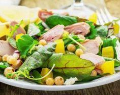 Salade brûle-graisses au poulet, ananas, pousses d'épinard et feta : http://www.fourchette-et-bikini.fr/recettes/recettes-minceur/salade-brule-graisses-au-poulet-ananas-pousses-depinard-et-feta.html