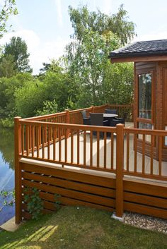 Golden Oak Deck with Cream Deckboards