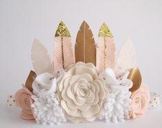 Corona de pluma de rosa neutro corona de tamaño por kireihandmade