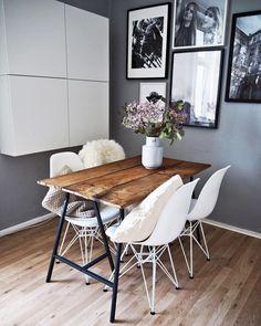 Modernes Esszimmer Mit Einem Holztisch 1 Zimmer Wohnung, Wohn Schlafzimmer,  Wohn Esszimmer, Holztisch