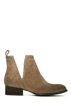 Jeffrey Campbell Muskrat Boot - Taupe | Shop Boots at Nasty Gal