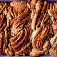 Baking Buns, Bread Baking, Yeast Bread, Brunch Recipes, Breakfast Recipes, Dessert Recipes, Brunch Ideas, Sweet Recipes, Breakfast Time