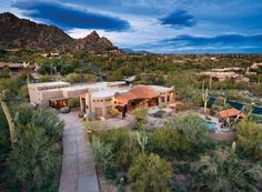 LHM Arizona - Featured in Phoenix Home & Garden magazine, this home was built for the late, legendary cowboy artist Ray Swanson. Coming off a two year restoration, this home boasts latilla ceilings, vigas and twisted columns. Located on the south slope of Black Mountain in gated Black Mountain Foothills. Commands mountain views and  …