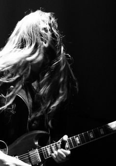 haim. http://blog.freepeople.com/2013/02/show-review-haim-mumford-sons/
