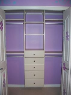 Hate the purple, but like the shelving. Would be perfect for babies room