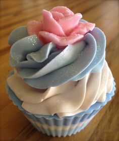 Norfolk Bath and Body: New Cupcake Soap Designs.from Norfolk Bath and Body. Soap Cake, Cupcake Soap, Cupcake Bath Bombs, Savon Soap, Homemade Soap Recipes, Bath Soap, Soap Packaging, Cold Process Soap, Home Made Soap