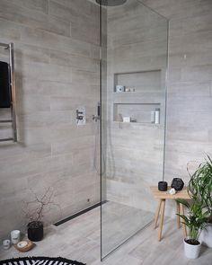 """5,149 curtidas, 90 comentários - Inger-Lise Lillerovde (@ingerliselille) no Instagram: """"Main bathroom ✔️ En ny, men viktig detalj i dusjen! Designsluken har fått ny farge og look! Den er…"""""""