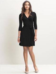 petite gemma wrap dress/ black/ banana republic