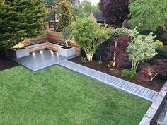 Maybe a deckbridge instead of a sidewalk in the background – Backyard Landscaping - Garden Design - Dream House Back Garden Design, Modern Garden Design, Contemporary Garden, Modern Design, Backyard Patio Designs, Small Backyard Landscaping, Backyard Ideas, Nice Backyard, Landscaping Design