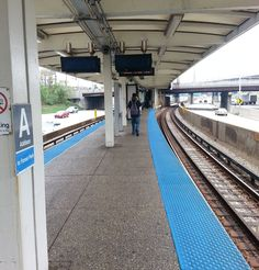"""#Chicago #cta #BlueLine #addison #ChiCity #TheWindyCity #chicitywind #train #highway #expressway"""