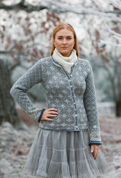 Ravelry: Stella Jacket pattern by Sidsel J. Pullover Design, Sweater Design, Jumper Patterns, Knit Patterns, Fair Isle Pattern, Fair Isle Knitting, Jacket Pattern, Knitted Blankets, Modest Fashion