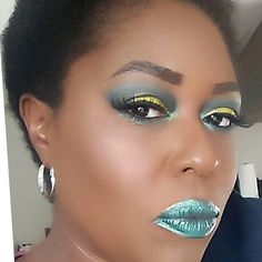 #lotd #eotd #fotd #motd Can we say #lemonlime eyeshadow color combination with the shimmering Yellow, Green and Black Star Green #itsthebalm by @glosseffectcosmetics  Glosseffectcosmeticsstore.com