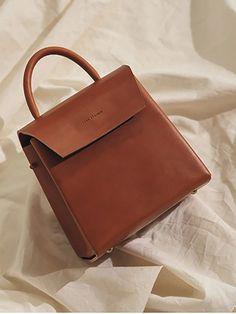 Hade 001 Cognac – purses and handbags diy Unique Handbags, Cute Handbags, Cheap Handbags, Black Handbags, Luxury Handbags, Purses And Handbags, Popular Handbags, Luxury Purses, Beautiful Handbags
