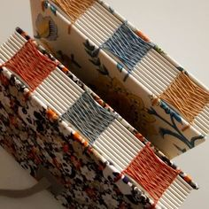 ONLINE COURSE: Sewing Weave - Zoopress Handmade Notebook, Diy Notebook, Handmade Journals, Handmade Books, Homemade Journal, Bookbinding Tutorial, Book Spine, Stitch Book, Leather Books