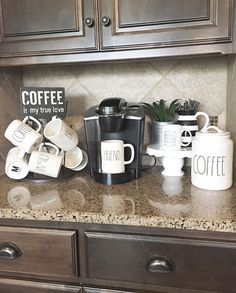 Coffee Bar Ideas - Looking for some coffee bar ideas? Here you'll find home coffee bar, DIY coffee bar, and kitchen coffee station.